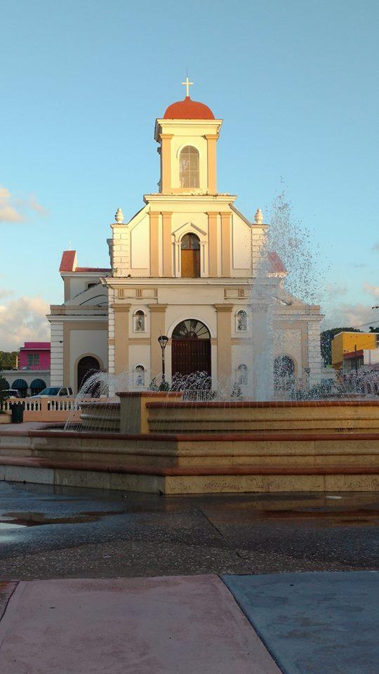 Iglesia Catolica por Edgardo López Marrero