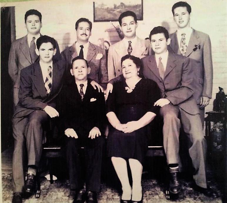 FAMILIA RODRIGUEZ PEREZ 1949.jpg