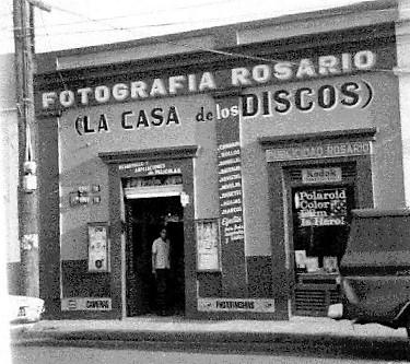 Frontispicio Foto y Casa de Disco Vega Baja, Puertop Rico