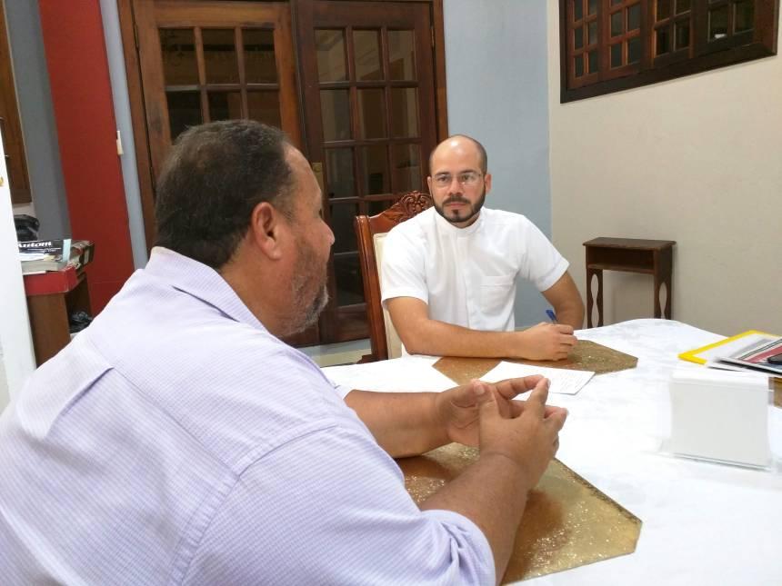 EHV VISITA AL PARROCO JORGE YAMIL MORALES (7)